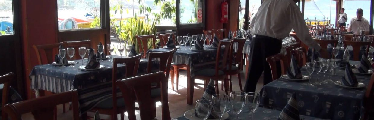 LAS PALMAS, Restaurant La Marinera, a lovely setting right by the ocean…Watch the waves crashing in…