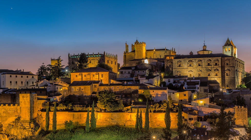 CÁCERES, when the good marmalade is in the small pot…